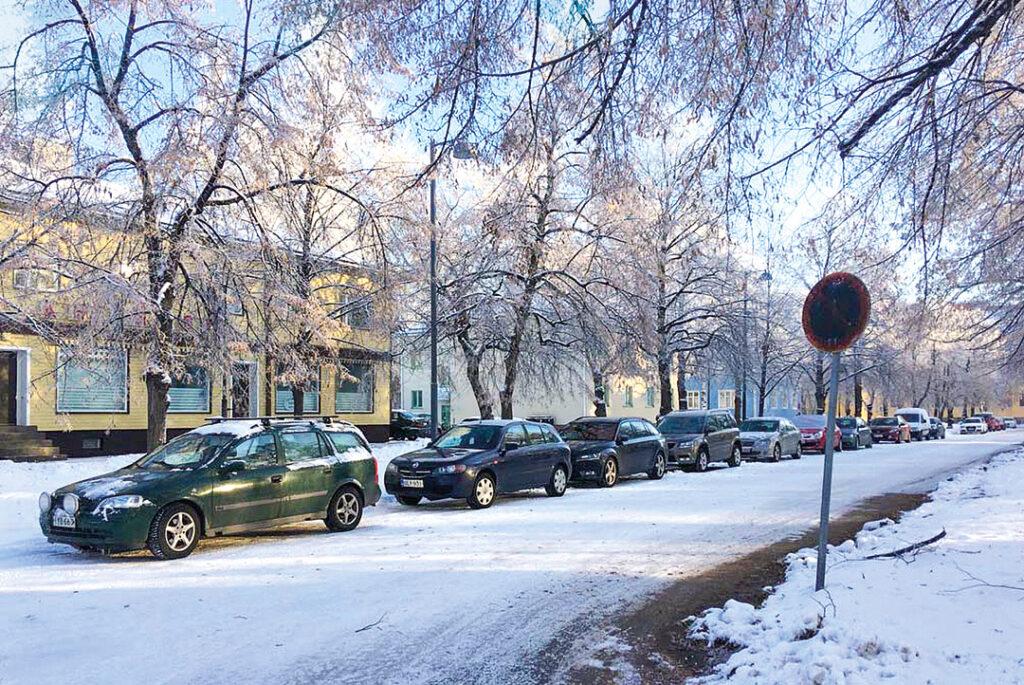 Puu-Raksilan kaavahankkeessa on tarkoitus ratkoa myös Raksilan liikenneongelmia.  Kuva: Timo Takala 6.11.2019.
