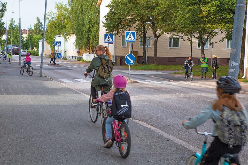 Turvallinen koulutie -kampanja.